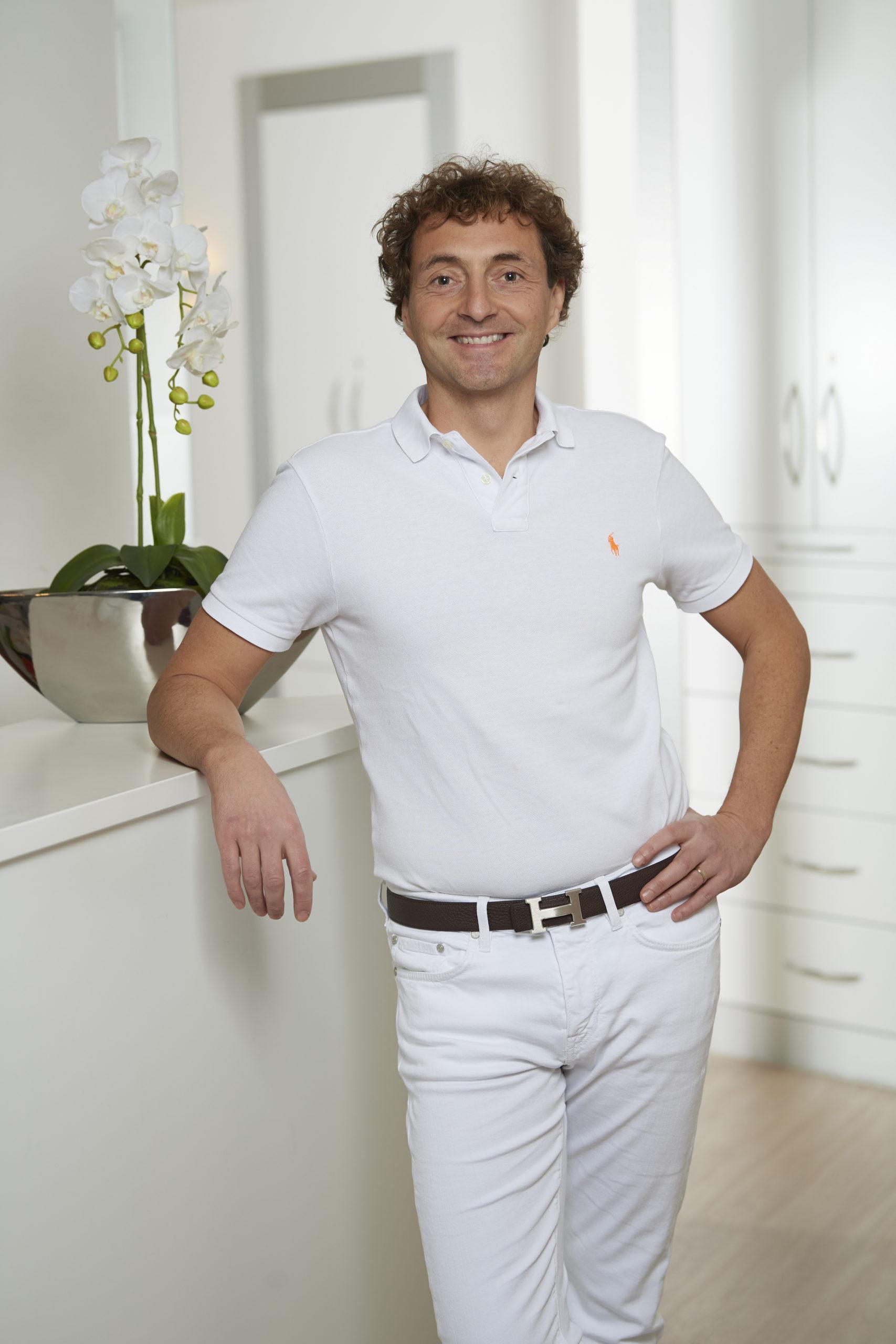 Dr. Boris Mundweil